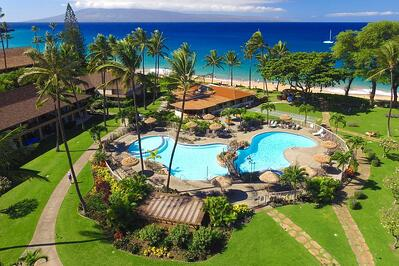 beautiful hotel on the ocean of maui